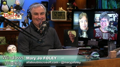 Leo Laporte, Paul Thurrott, and Mary Jo Foley talk about the Surface Book issues - Paul's finally had it, new Windows updates, and more...