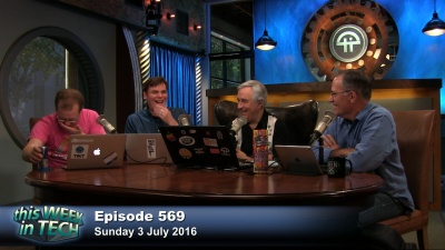 Alex Wilhelm, Roberto Baldwin, Leo Laporte, and Mike Elgan