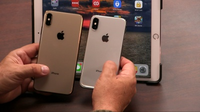 Leo Laporte and Jason Snell from Six Colors discuss their new iPhones and Apple Watches.